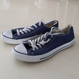 Converse navy blue sneakers M10